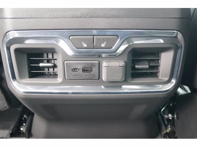 2020 Chevrolet Silverado 1500 Crew Cab 4x4, Pickup #102900 - photo 6