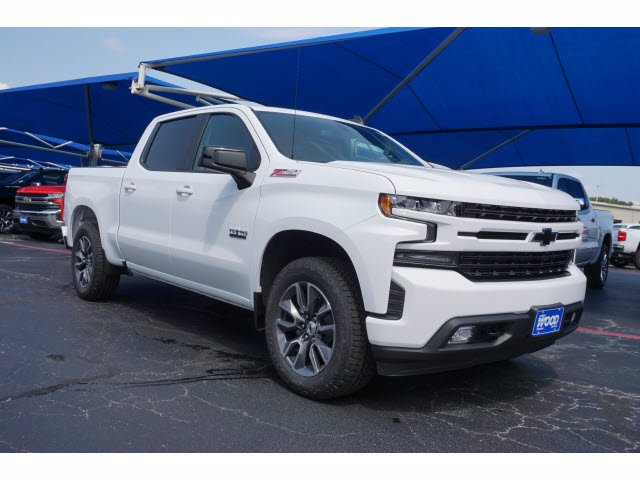 2020 Chevrolet Silverado 1500 Crew Cab 4x4, Pickup #102944 - photo 3
