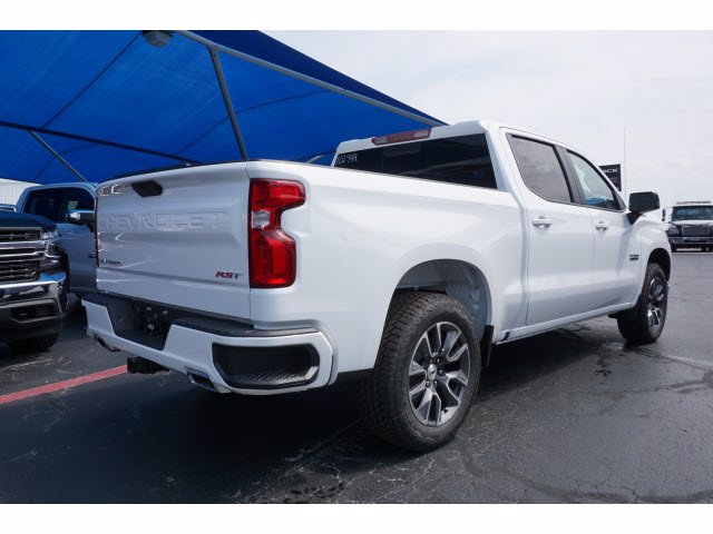2020 Chevrolet Silverado 1500 Crew Cab 4x4, Pickup #102944 - photo 4