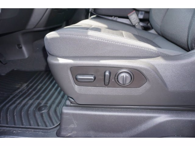 2020 Chevrolet Silverado 1500 Crew Cab 4x4, Pickup #102950 - photo 15