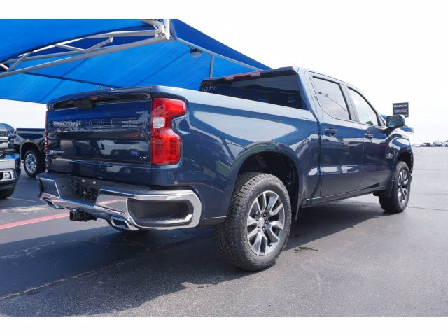 2020 Chevrolet Silverado 1500 Crew Cab 4x4, Pickup #102950 - photo 4