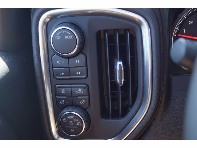 2020 Chevrolet Silverado 1500 Crew Cab 4x4, Pickup #102964 - photo 12