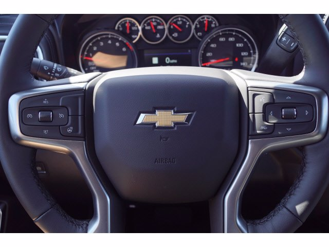 2020 Chevrolet Silverado 1500 Crew Cab 4x4, Pickup #102964 - photo 17
