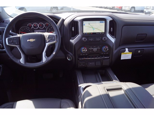 2020 Chevrolet Silverado 1500 Crew Cab 4x4, Pickup #102964 - photo 3