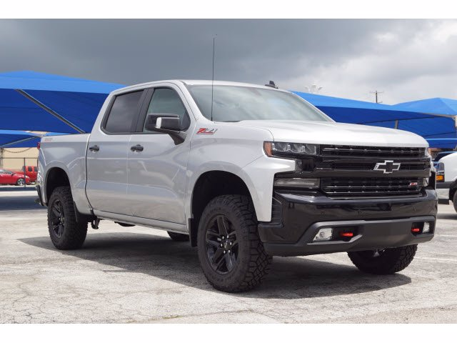 2020 Chevrolet Silverado 1500 Crew Cab 4x4, Pickup #102976 - photo 3