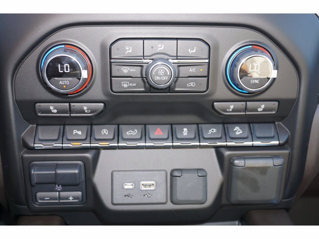 2020 Chevrolet Silverado 1500 Crew Cab 4x4, Pickup #102979 - photo 10