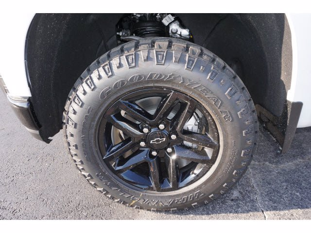 2020 Chevrolet Silverado 1500 Crew Cab 4x4, Pickup #102979 - photo 20
