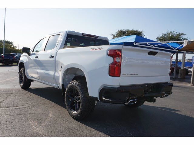 2020 Chevrolet Silverado 1500 Crew Cab 4x4, Pickup #102979 - photo 2
