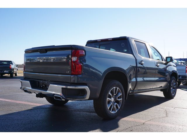2020 Chevrolet Silverado 1500 Crew Cab 4x4, Pickup #103025 - photo 4