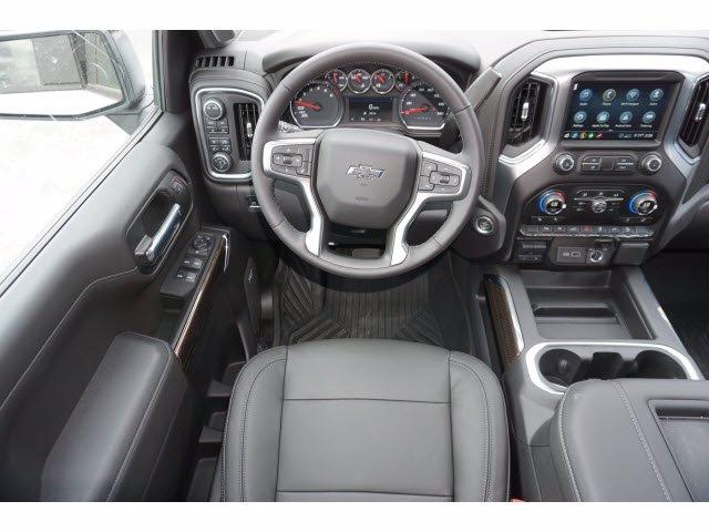 2020 Chevrolet Silverado 1500 Crew Cab 4x4, Pickup #103067 - photo 8