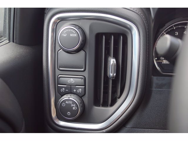 2020 Chevrolet Silverado 1500 Crew Cab 4x2, Pickup #103081 - photo 14