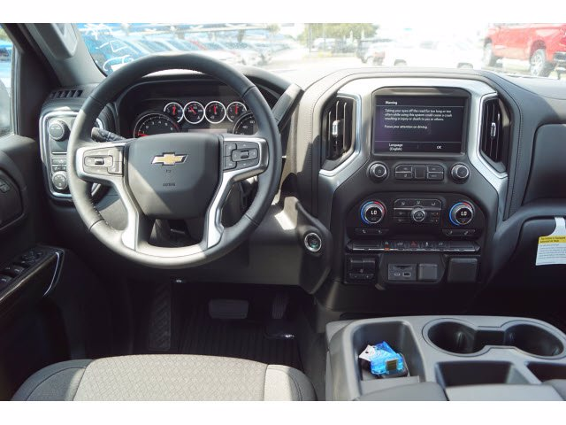 2020 Chevrolet Silverado 1500 Crew Cab 4x2, Pickup #103081 - photo 5