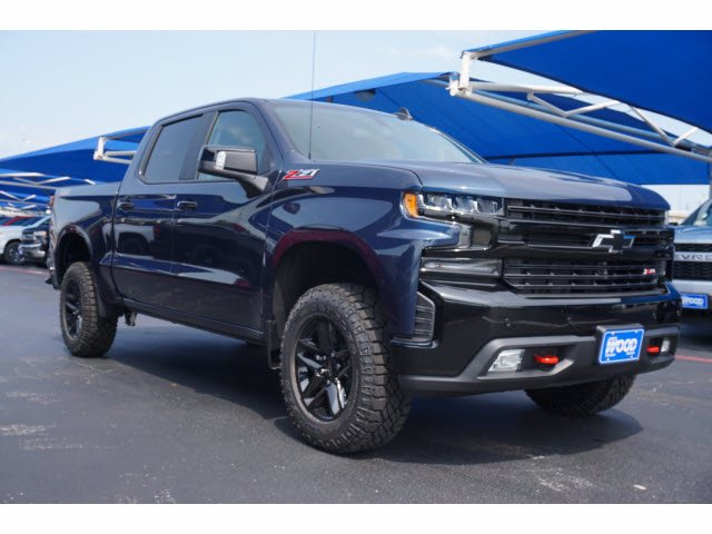 2020 Chevrolet Silverado 1500 Crew Cab 4x4, Pickup #103101 - photo 3