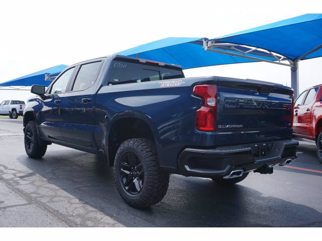 2020 Chevrolet Silverado 1500 Crew Cab 4x4, Pickup #103101 - photo 2