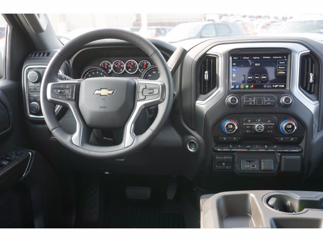 2020 Chevrolet Silverado 1500 Crew Cab 4x4, Pickup #103105 - photo 5