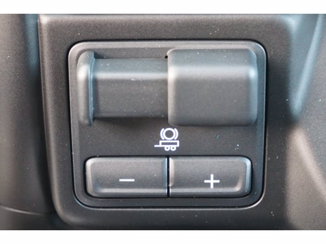 2020 Chevrolet Silverado 1500 Crew Cab 4x4, Pickup #103106 - photo 13