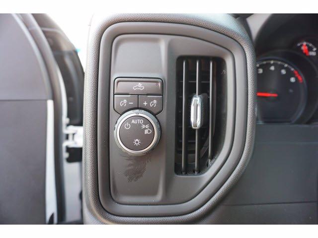 2020 Chevrolet Silverado 3500 Crew Cab DRW RWD, Knapheide PGNB Gooseneck Platform Body #103158 - photo 11