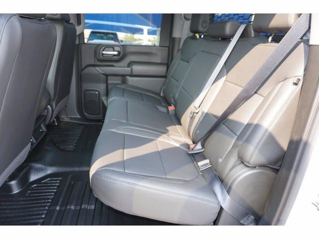 2020 Chevrolet Silverado 3500 Crew Cab DRW RWD, Knapheide PGNB Gooseneck Platform Body #103169 - photo 7