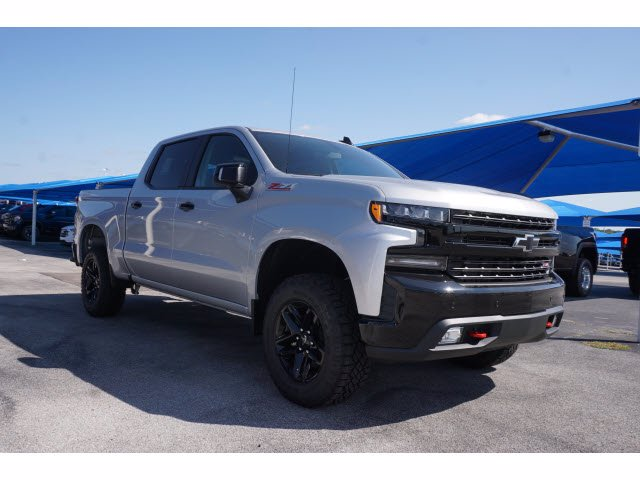 2020 Chevrolet Silverado 1500 Crew Cab 4x4, Pickup #103170 - photo 3