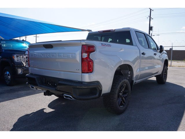 2020 Chevrolet Silverado 1500 Crew Cab 4x4, Pickup #103170 - photo 4