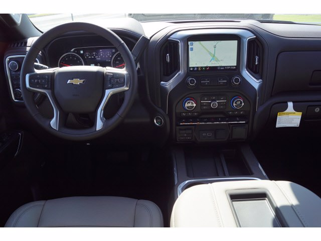 2020 Chevrolet Silverado 1500 Crew Cab 4x4, Pickup #103192 - photo 3