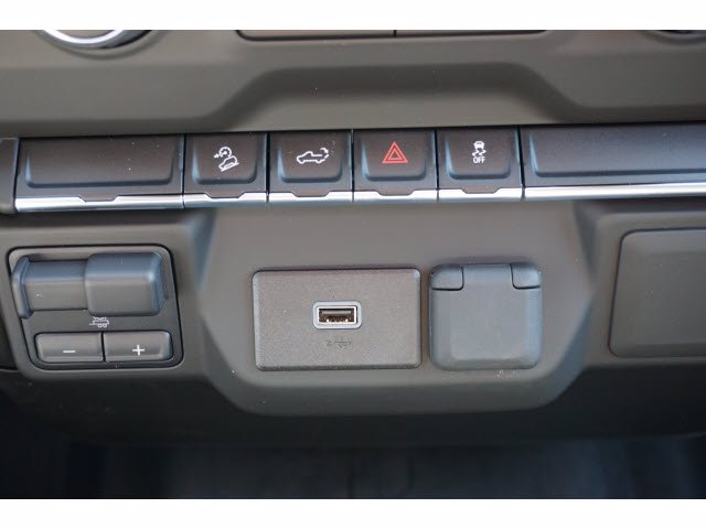 2020 Chevrolet Silverado 1500 Crew Cab 4x4, Pickup #103203 - photo 11
