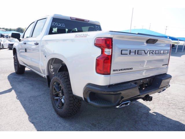 2020 Chevrolet Silverado 1500 Crew Cab 4x4, Pickup #103203 - photo 2