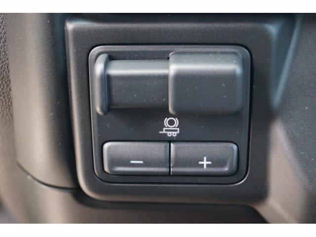 2020 Chevrolet Silverado 1500 Crew Cab 4x2, Pickup #103537 - photo 12