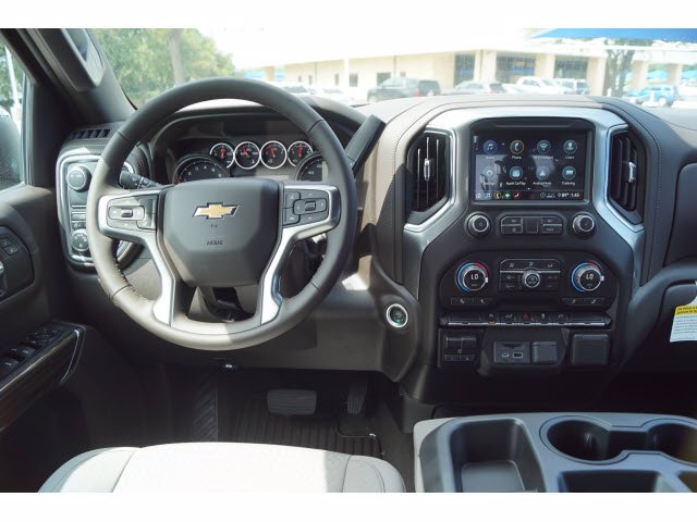 2020 Chevrolet Silverado 1500 Crew Cab 4x2, Pickup #103537 - photo 5