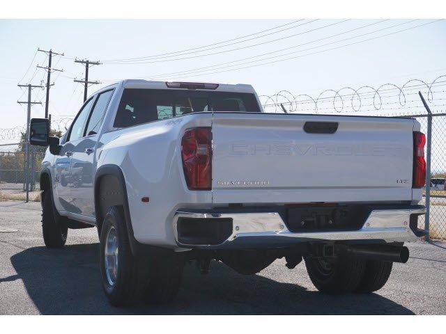2021 Chevrolet Silverado 3500 Crew Cab 4x4, Pickup #110295 - photo 2