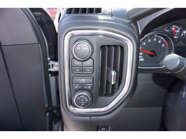 2021 Chevrolet Silverado 1500 Crew Cab 4x4, Pickup #110367 - photo 13