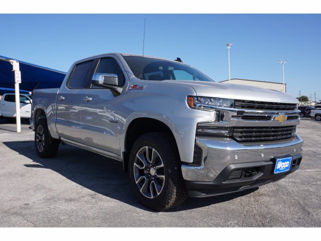 2021 Chevrolet Silverado 1500 Crew Cab 4x4, Pickup #110367 - photo 3