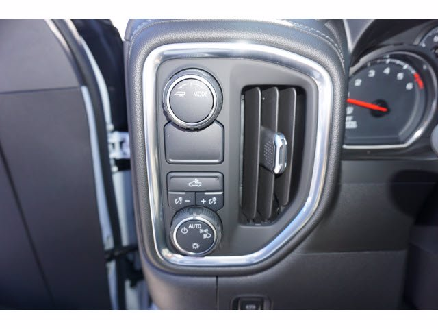 2021 Chevrolet Silverado 1500 Crew Cab 4x2, Pickup #110576 - photo 12