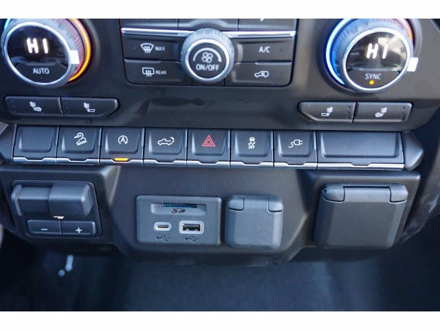 2021 Chevrolet Silverado 1500 Crew Cab 4x4, Pickup #110688 - photo 12