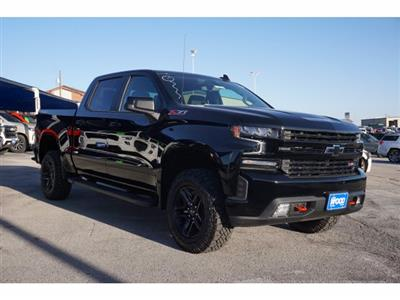 2021 Chevrolet Silverado 1500 Crew Cab 4x4, Pickup #110763 - photo 3
