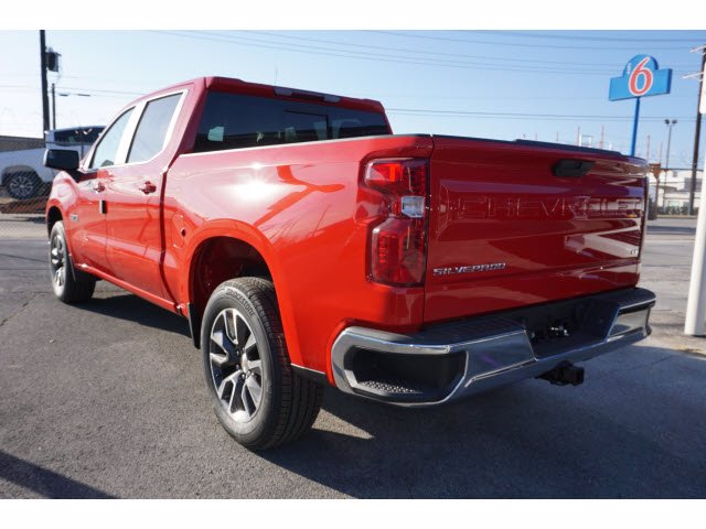 2021 Chevrolet Silverado 1500 Crew Cab 4x2, Pickup #110823 - photo 2