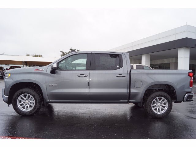 2021 Chevrolet Silverado 1500 Crew Cab 4x4, Pickup #110842 - photo 3