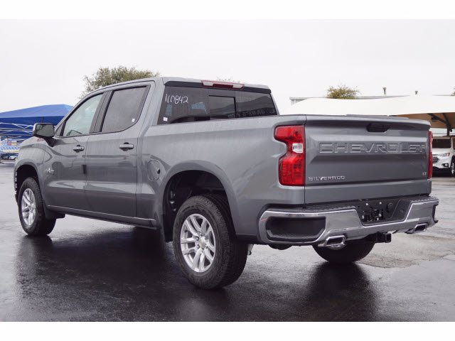 2021 Chevrolet Silverado 1500 Crew Cab 4x4, Pickup #110842 - photo 2