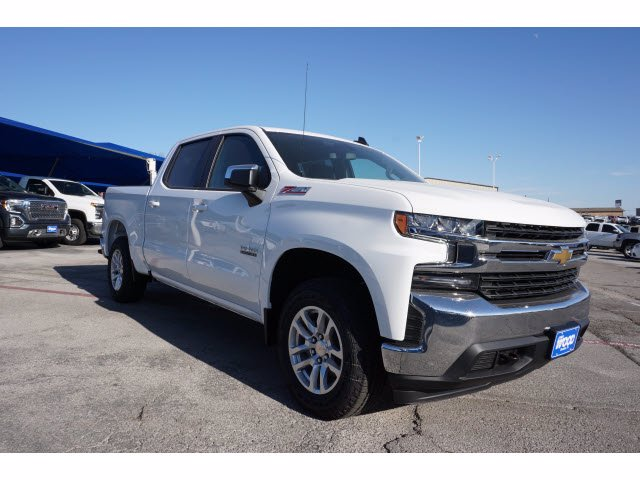 2021 Chevrolet Silverado 1500 Crew Cab 4x4, Pickup #110853 - photo 3