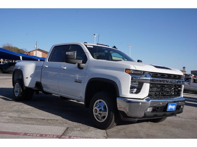2021 Chevrolet Silverado 3500 Crew Cab 4x4, Pickup #110964 - photo 3