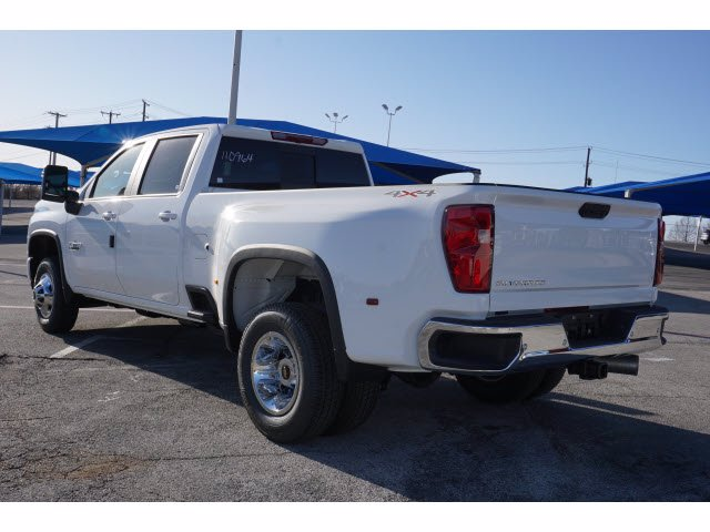 2021 Chevrolet Silverado 3500 Crew Cab 4x4, Pickup #110964 - photo 2