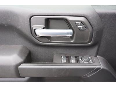 2021 Chevrolet Silverado 3500 Crew Cab AWD, CM Truck Beds Dealers Truck Platform Body #111175 - photo 13