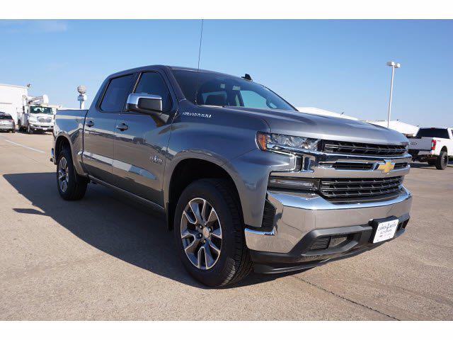2021 Chevrolet Silverado 1500 Crew Cab 4x2, Pickup #111263 - photo 3