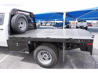 2021 Chevrolet Silverado 3500 Crew Cab AWD, Knapheide PGNB Gooseneck Platform Body #111315 - photo 9