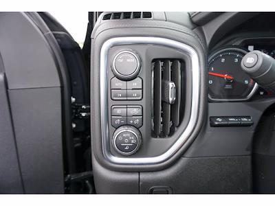 2021 Chevrolet Silverado 2500 Crew Cab 4x4, Pickup #111531 - photo 15