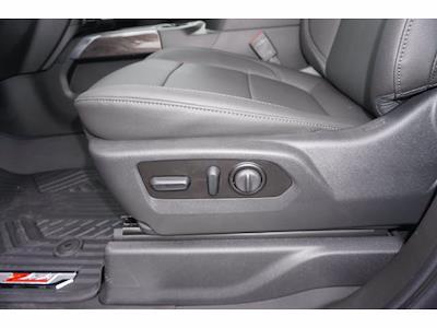2021 Chevrolet Silverado 2500 Crew Cab 4x4, Pickup #111531 - photo 16