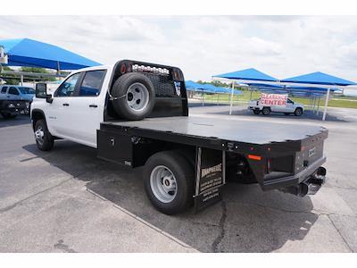 2021 Chevrolet Silverado 3500 Crew Cab AWD, Knapheide PGNB Gooseneck Platform Body #111695 - photo 2