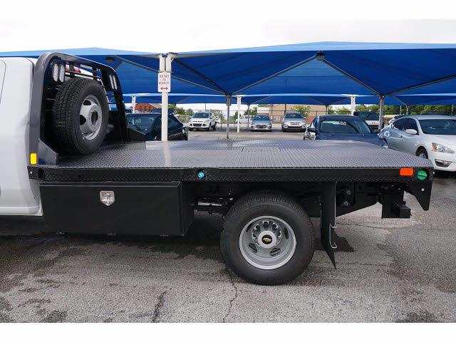 2021 Chevrolet Silverado 3500 Regular Cab AWD, CM Truck Beds Dealers Truck Platform Body #111762 - photo 9