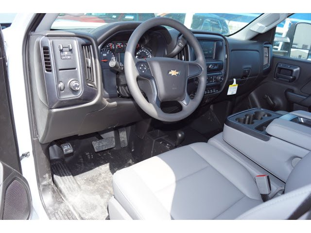 2018 Silverado 3500 Regular Cab DRW 4x4,  Knapheide PGNB Gooseneck Platform Body #181594 - photo 3