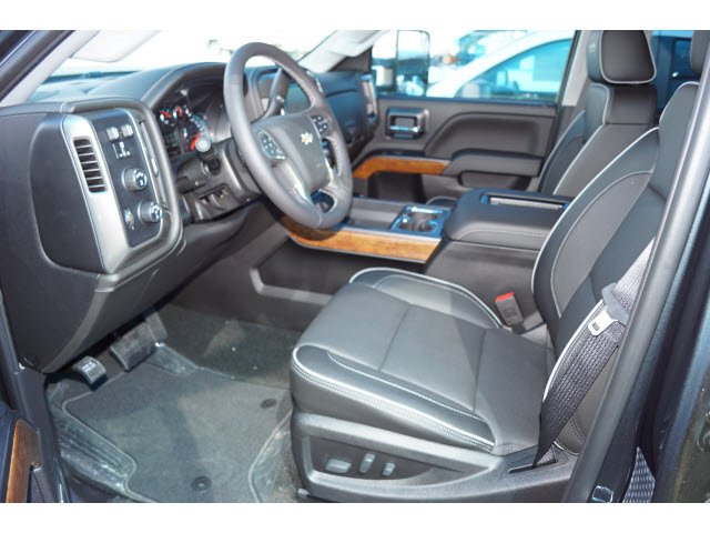 2018 Silverado 3500 Crew Cab 4x4, Pickup #181870 - photo 4